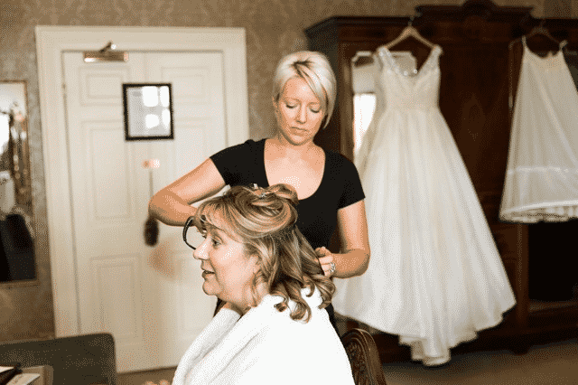 hair-and-makeup-wedding-hairstylist