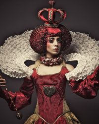 queen of hearts makeup and costume